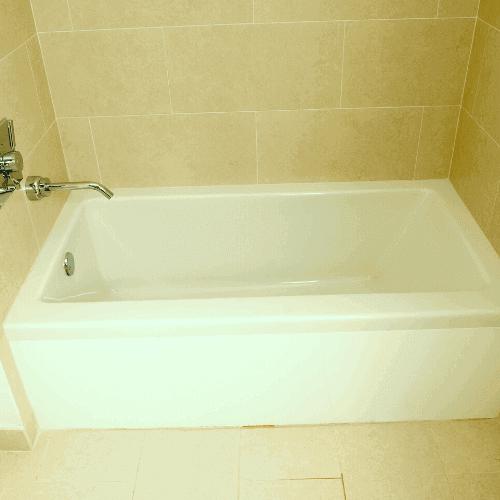 three-wall alcove tub