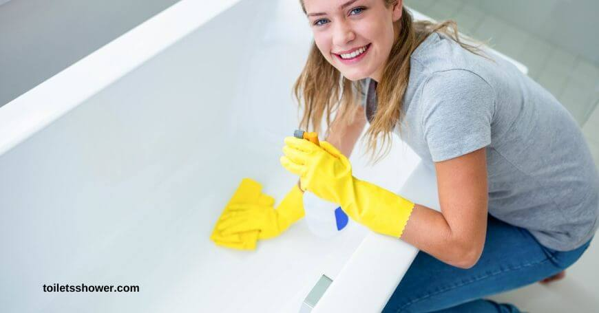 how to clean a bathtub with bleach